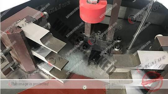 Single Head Corner Crimping Machine 120B Details 2