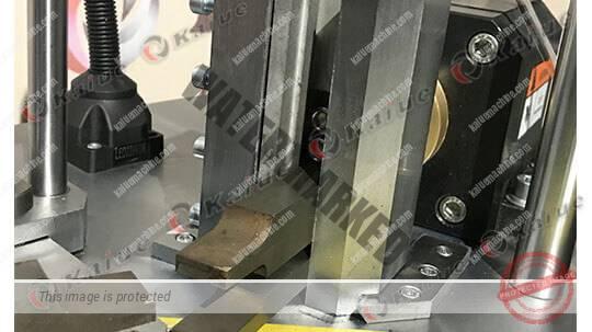 Single Head Corner Crimping Machine 160D Details 3